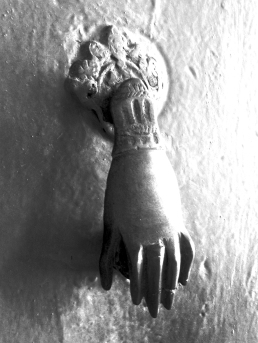 Handy door knocker